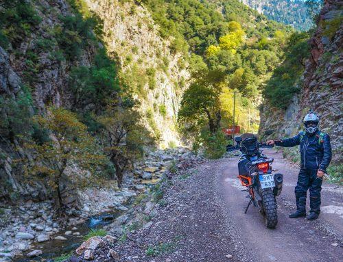 Από το χωριό Κρέντης στα Άγραφα με μοτοσικλέτα
