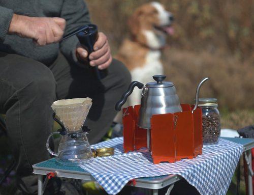 Brewing coffee among the flowers – Πίνοντας καφέ ανάμεσα στα λουλούδια της άνοιξης